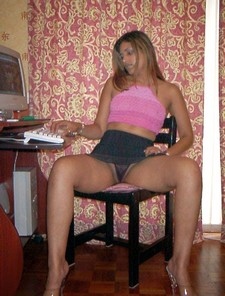 Desi hot girl adult site browsing and open pussy for fuck