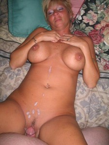 Plump mature lady got fucked hard and perfused with sperm