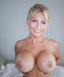 She like suck a big cock
