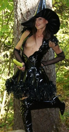 Beautiful milf in this awesome amateur costume photo.