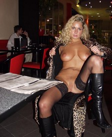 Public nudity amateur photo of my hot girlfriend showing her great body in restaurant