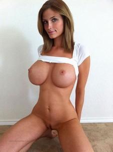 I kissed her bigger boobs