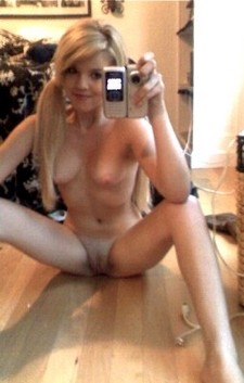 Amazing blonde teen in incredible selfshot picture.