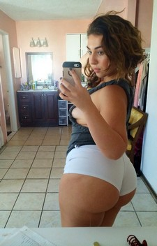 Hot real selfshot brunette with big hot ass and sweet boobs