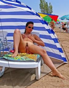 My hot wife on the beach - homemade porn photos