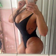 Italian bitch bathroom selfie of her gorgeous massive breasts and big booty