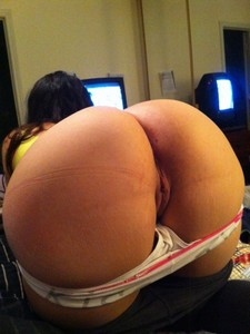 Very sexy big mature ass -blond fat ass