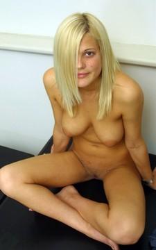 Sexy Strip Video Very Beautiful Girlfriend Full Nude - streaptease.net