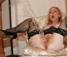 Amazing squirt pic with amazing blonde mature.