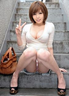 Hot Asian Upskirt Shopping No Panty