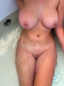 fingering my sexy wife in the bath