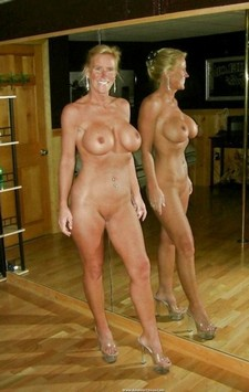 Shots Of Nude Amateur Wives.