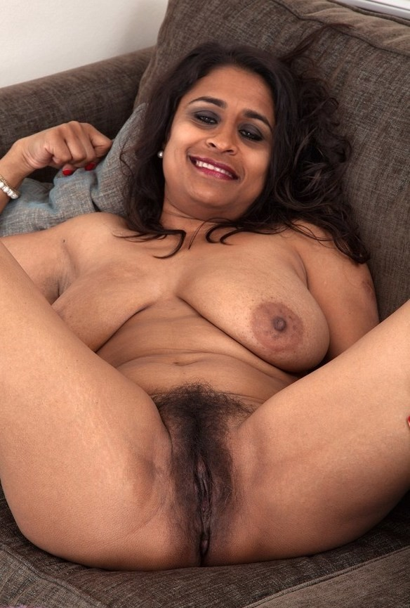 Indian Young Mature desi Aunt With young desi guy video clip - Wowmoyback