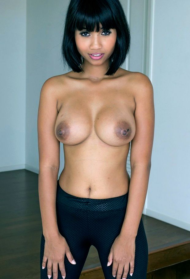 Hatgirl ebony sluts it out on web cam chat by displaying her big, mind blowjing boobs..