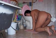 Toilet fun - amateur porn pictures