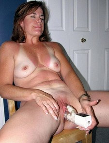 Hot homemade pussy picture with superb cougar.