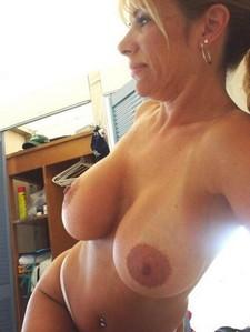 Superb mature in hot photo.