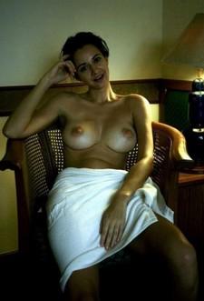 Topless Wife Show Nice Big Round Boobs